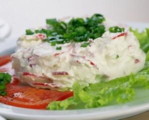 Salati Dreamstime_zelena-salata-s-rotkvicama-i-majonezom-310x250-300x241